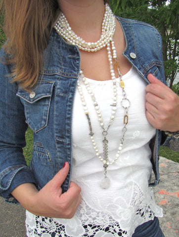 Lindero Necklace - White Pearls
