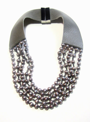 Lindero Necklace - Pewter Pearls