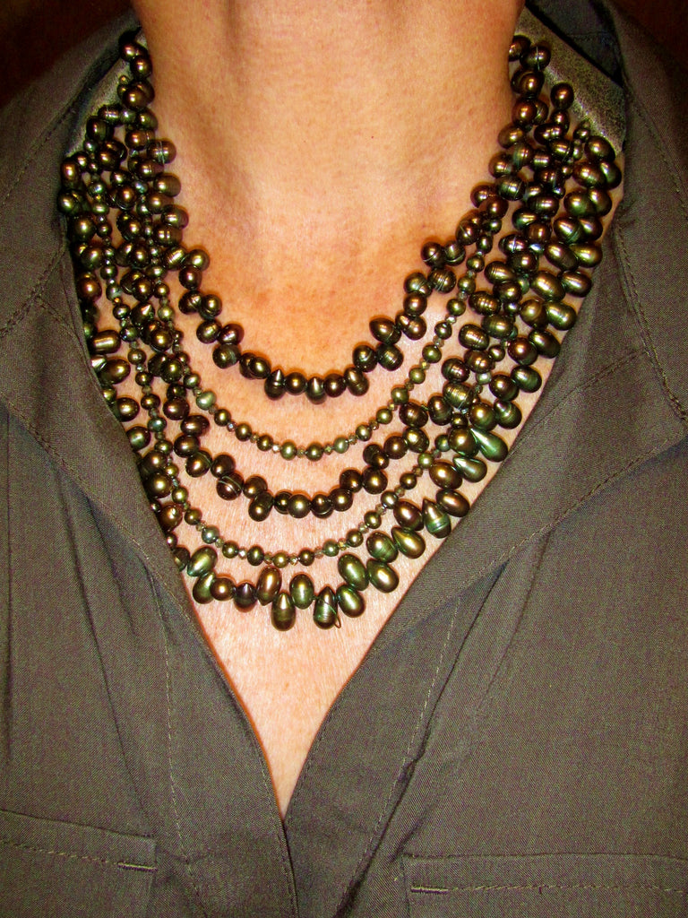 Lindero Necklace - Dark Olive Pearls
