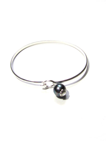 Classique Bangle Bracelet - 2 Pearl Colors