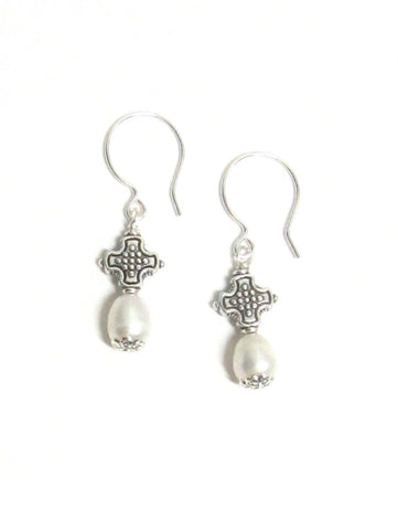 Pearl Drop Earrings - White