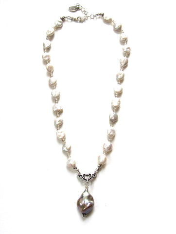 Ovation Pearl Necklace, 2 Colors