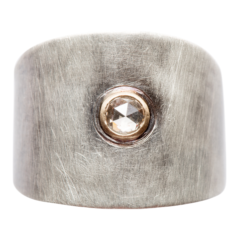 Relaxed Diamond Cigar Band - round rosecut