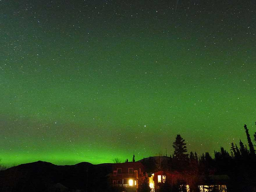 How to Capture a Beautiful Time Lapse of the Northern Lights with UpBlink