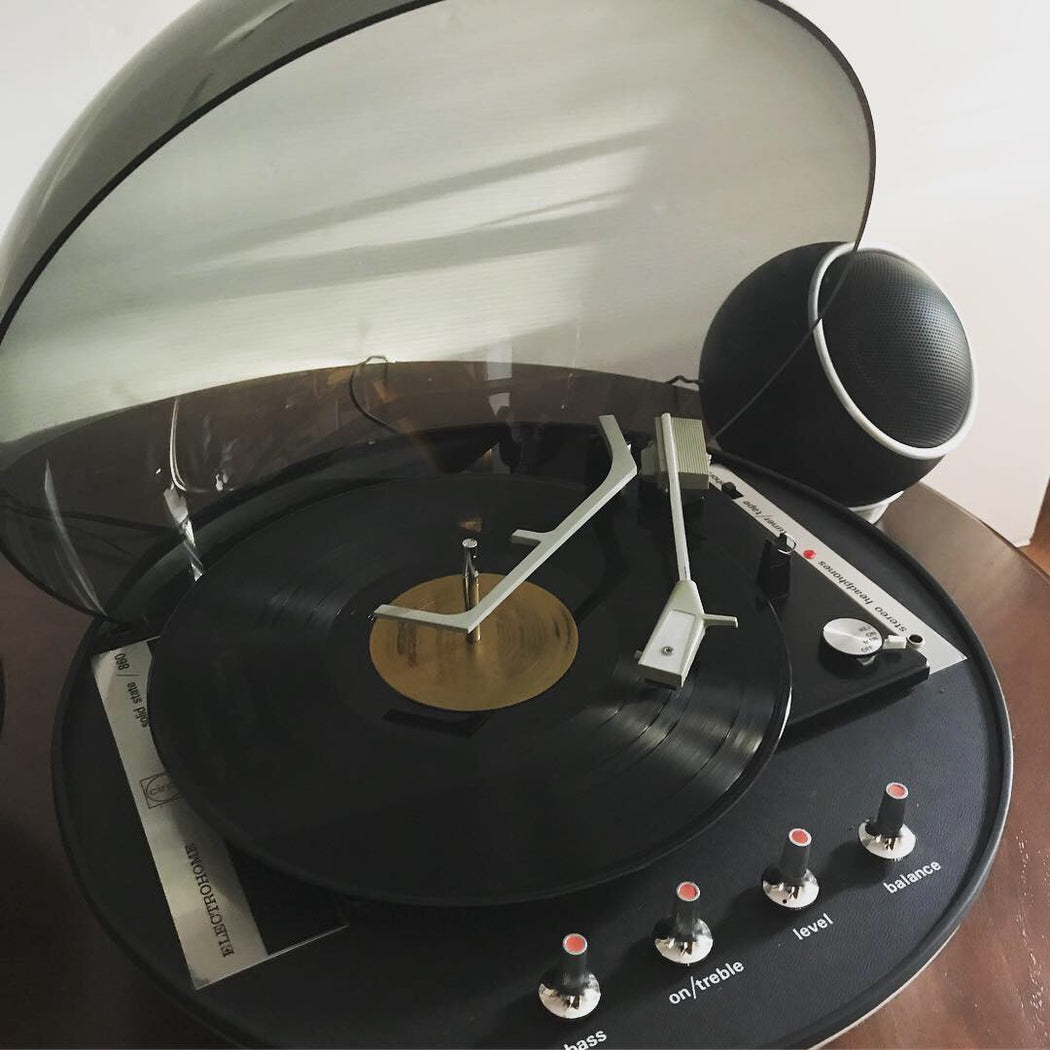 Apollo 860 Space Age Record Player
