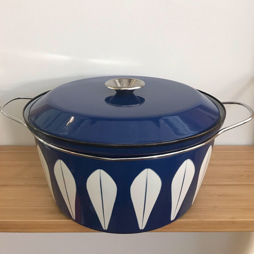 Catherineholm Blue + White Dutch Oven