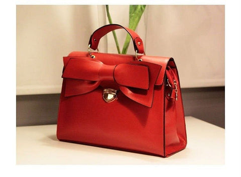 A Handbag with a Bow - The Best Accessory  - 1
