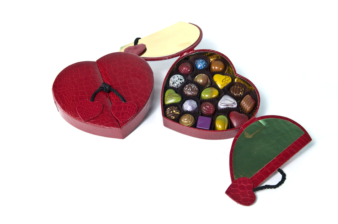 18 Piece Red Faux Croc Heart Box