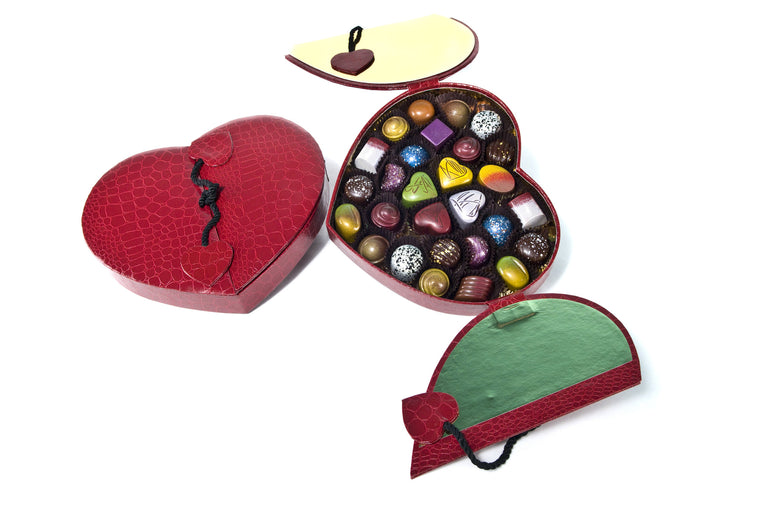 28 Piece Red Faux Croc Heart Box