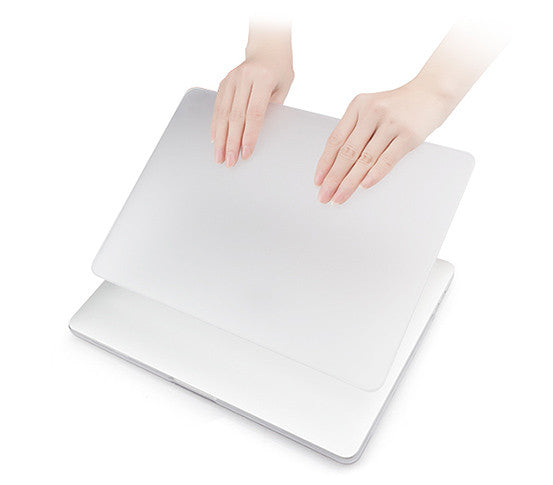 MacGuard Classic Protective Shell for the MacBook Air - Easy snap-on installation