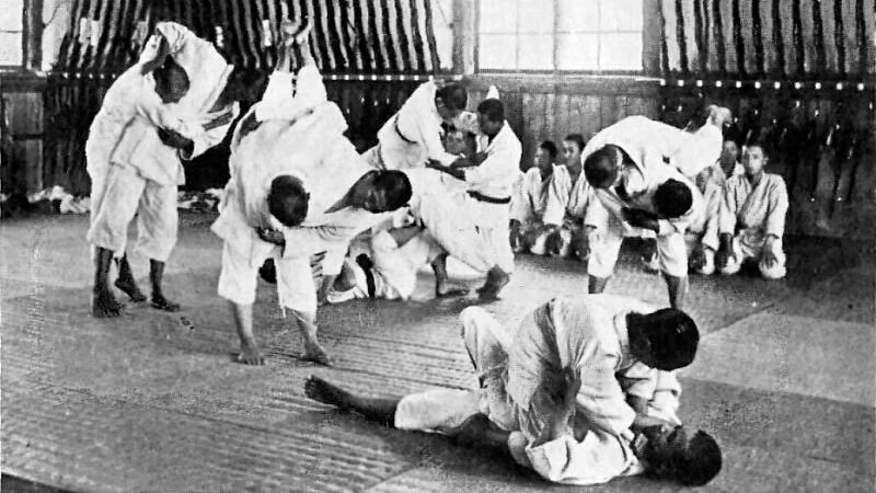 Ju-Jutsu training during the 1920's