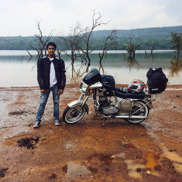 Two Stroke Tuesdays Trip Machine Company E17 Dream Machine Yamaha Rajdoot RD 350 Escorts Group Escorts Yamaha Yezdi Classic 250 Jawa 250 Royal Enfield Himalayan Yamaha RX 100 Yamaha RX 135