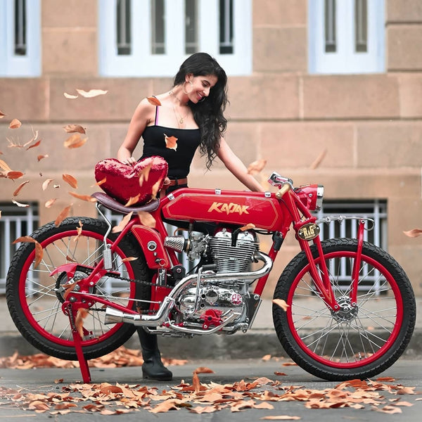 Priyanka Kochhar bike with girl motovlogger women who ride