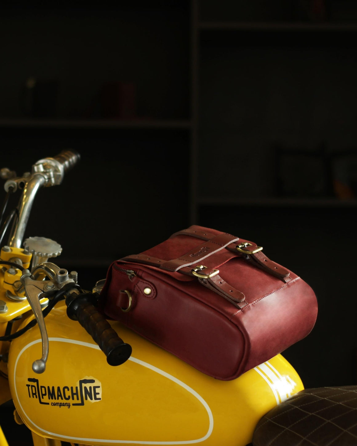 Tank & Tail Bag Cherry Red
