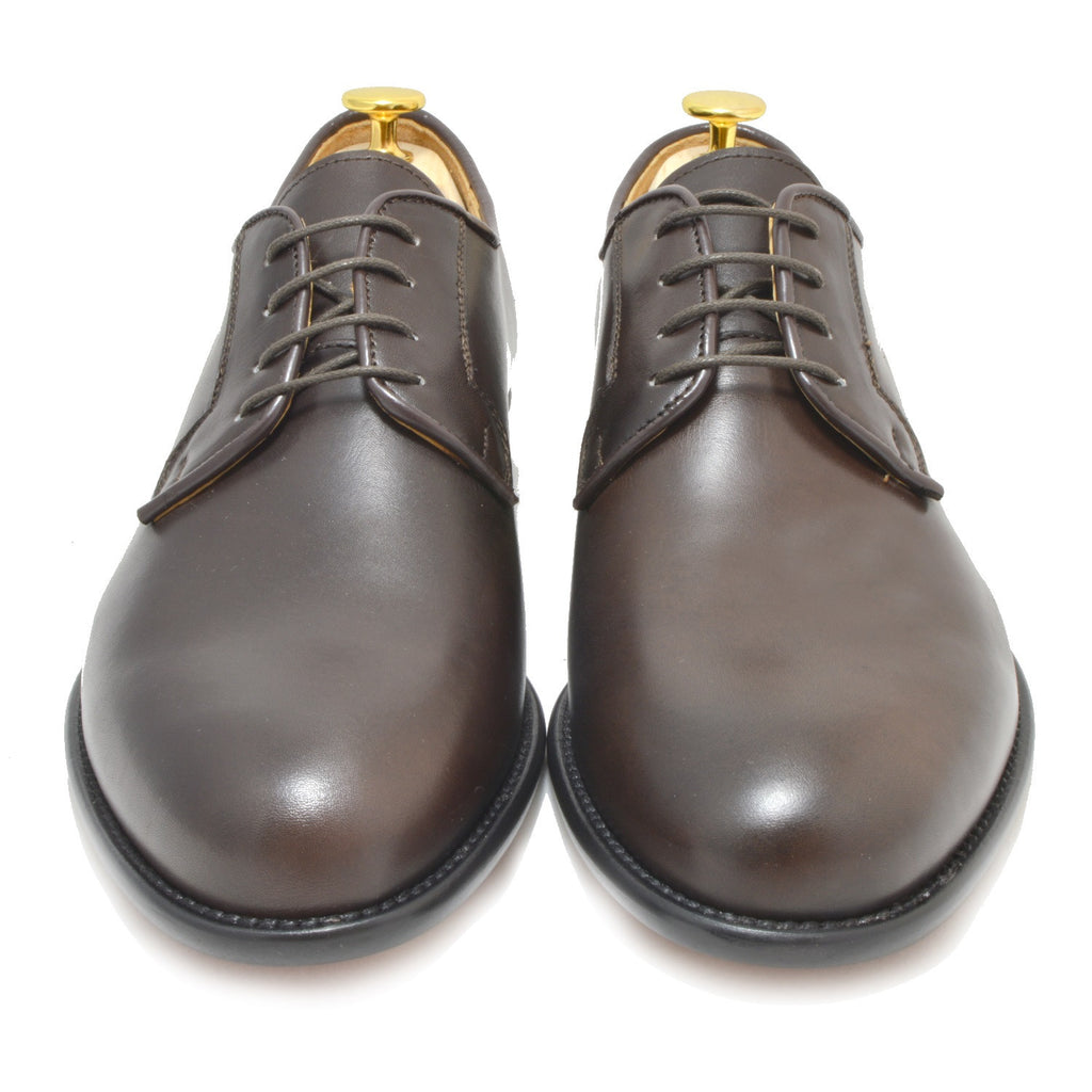 Italy Derby Shoes in brown calfskin with a black buff sole, Piacenza