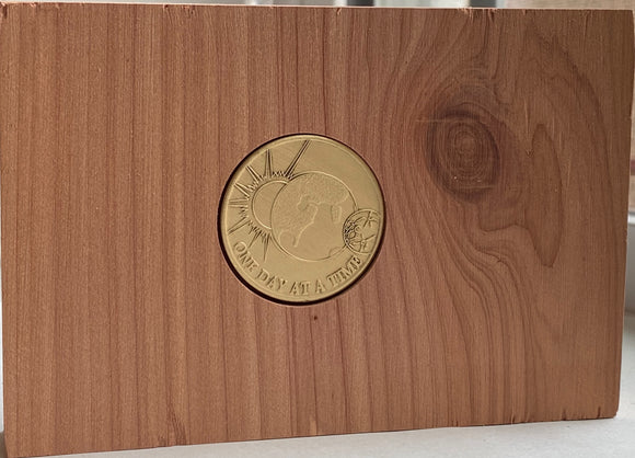 Cedar AA Medallion Holder