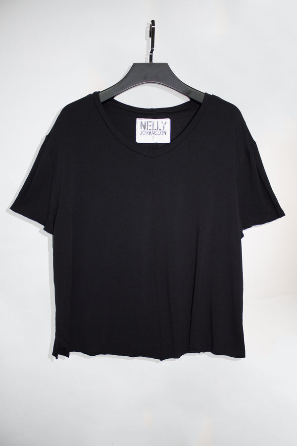 Cropped V-Neck T-Shirt