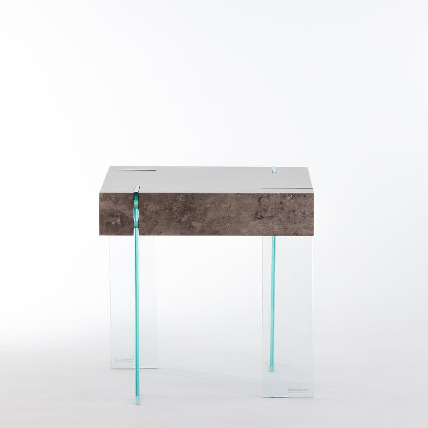 "20"" Crystal End Table - Cement"