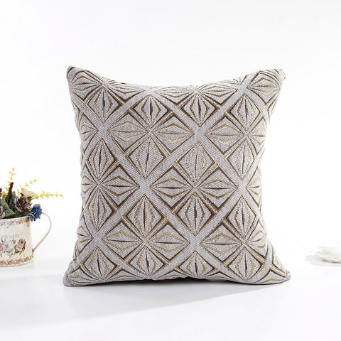 "17"" x 17"" Vintage Pillow Cover - White/Gold (Exclusively Online)"