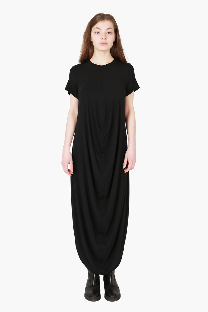 Lumitus Long dress with a draped body and t-shirt sleeves