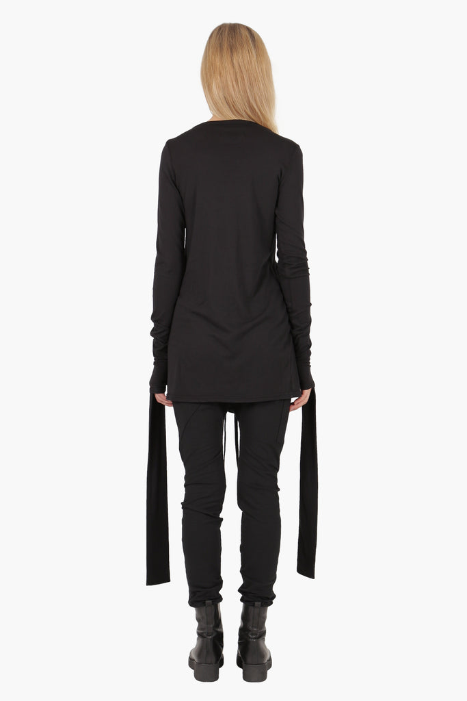 Lumitus Top with straight neckline and long sleeves with elongated panels