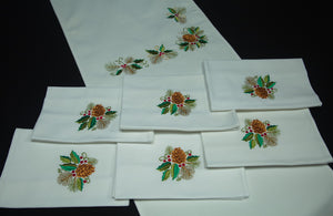 Christmas Set: Table Runner and 6 Napkins