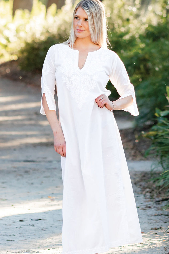 Kaftan Hand-Embroidered Cotton White on White - V-Neck