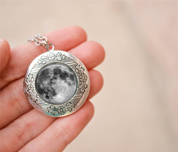 Full Moon Locket Necklace - Livin' Freely  - 1