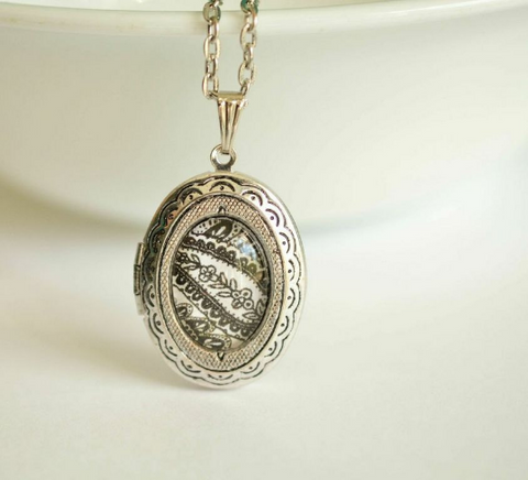 Daintly Lace Paisley Locket - Livin' Freely  - 1
