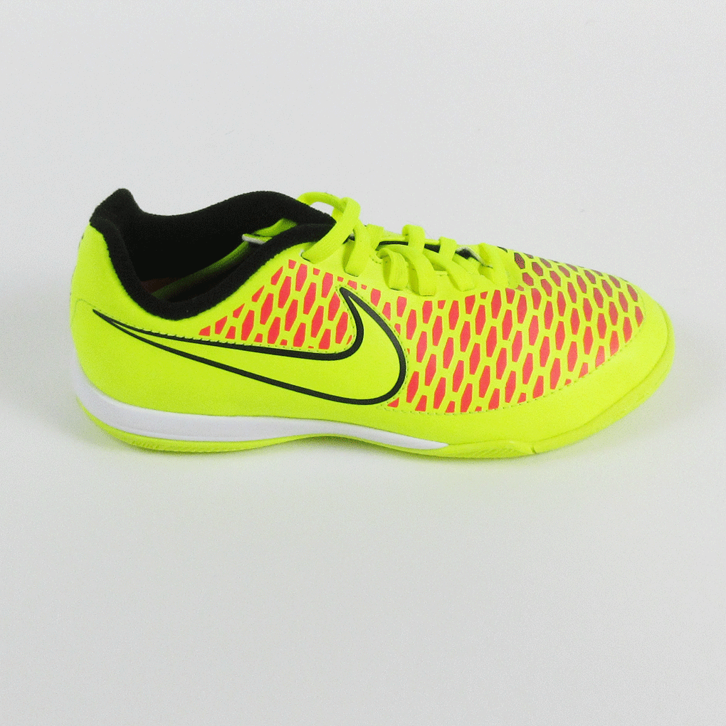 Trainers : Yellow (VoltVolt black hyper Punch 770) Nike