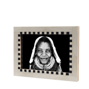 Mandaka photo frame - Black/white - Nolan & Co
