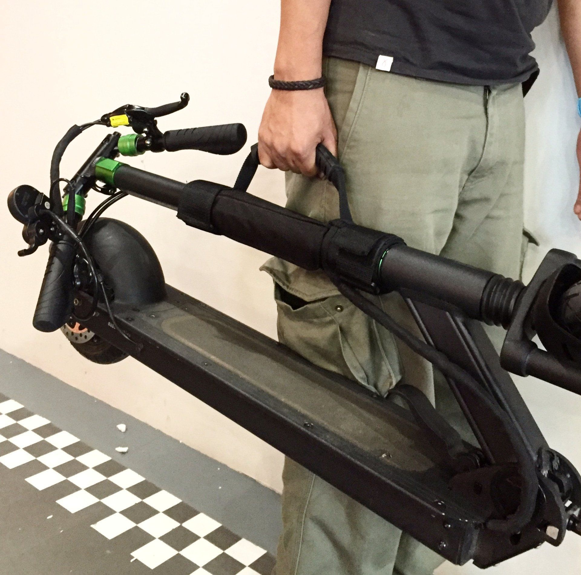 E-Scooter Carry Handle