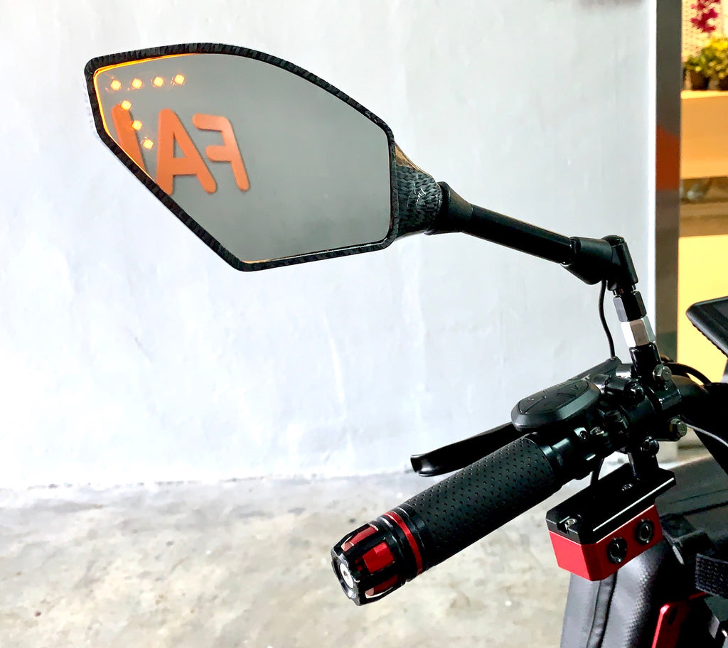 Rear View Mirror with In-Mirror Turn Signal LED