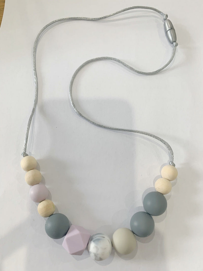 Winnie Silicone Nursing Necklace - Lilac - Indera Beads