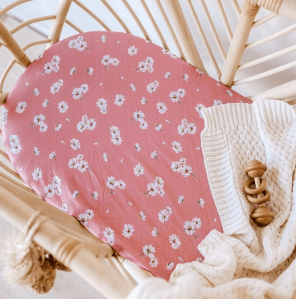 Daisy Bassinet Sheet / Change Pad Cover - Snuggle Hunny Kids