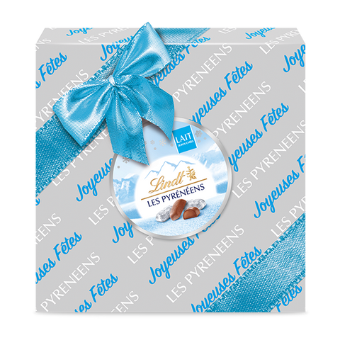 Lindt Les Pyrénéens Milk Chocolate Wrapped Gift Box (204g)