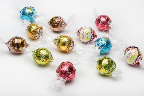 Lindt Lindor White Chocolate Collection (8 varieties)