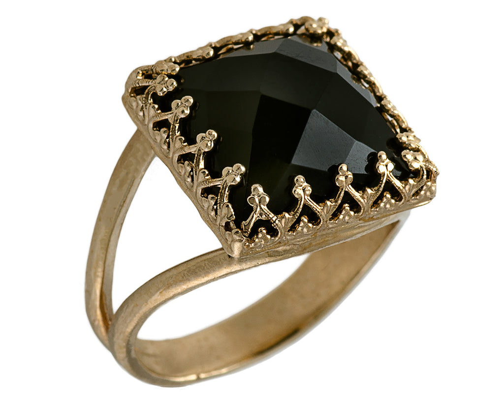 gold onyx ring