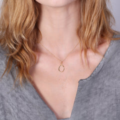 Teardrop necklace gold