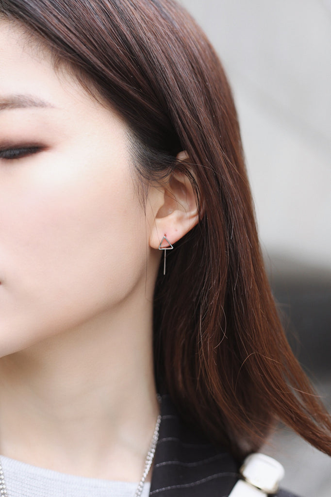 Min&Mia - Yoon Pin Earrings - Triangle Minimal Simple Jewelry
