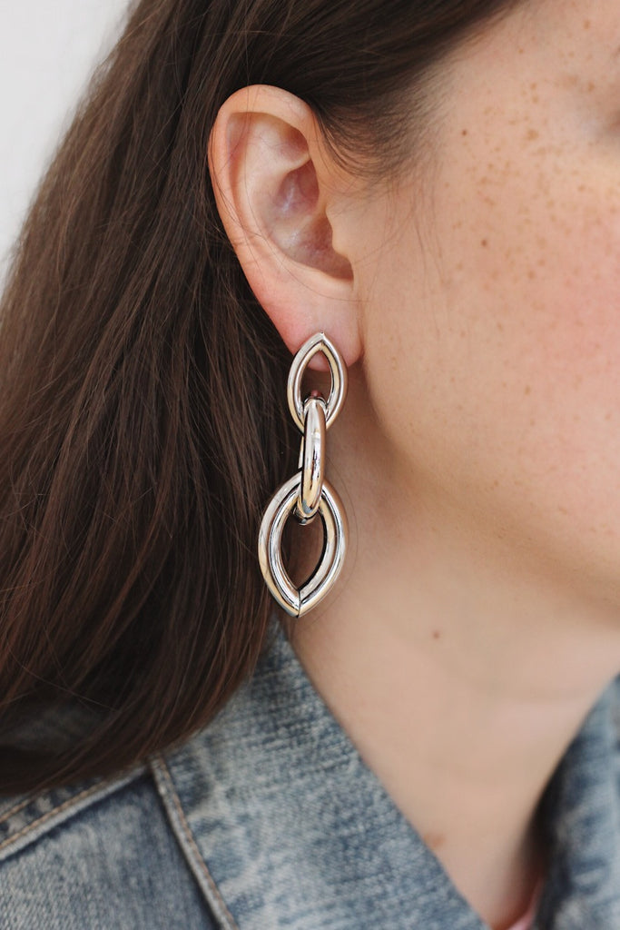 Min&Mia Prema Statement Earrings - Silver Link Earrings