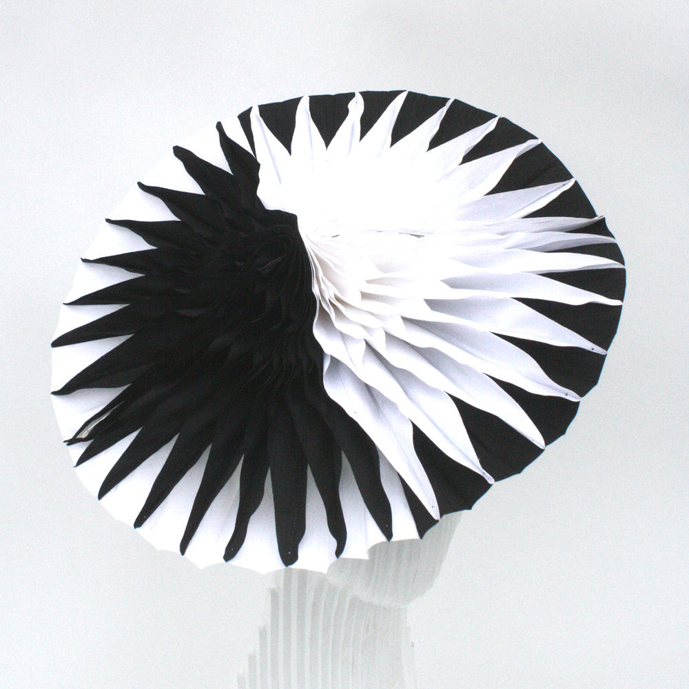 Black and white contrast unfolding disc headpiece