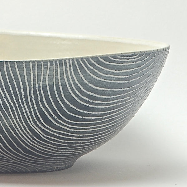 Contour Lines Collection: Medium Serving Bowl (ombra)