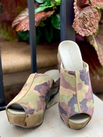 Chocolat Blu Wynn Shoes Camo Military Suede Wedge Open Toe 3-inch heel platform