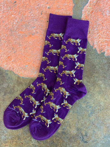 Tigers on the prowl mens socks purple clemson