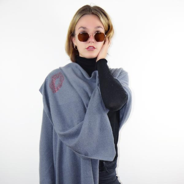 XL Chunky, knitted cashmere travel wrap KISS (grey)