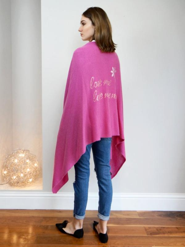 XL Chunky, knitted cashmere travel wrap LOVE ME, LOVE ME NOT... (raspberry)
