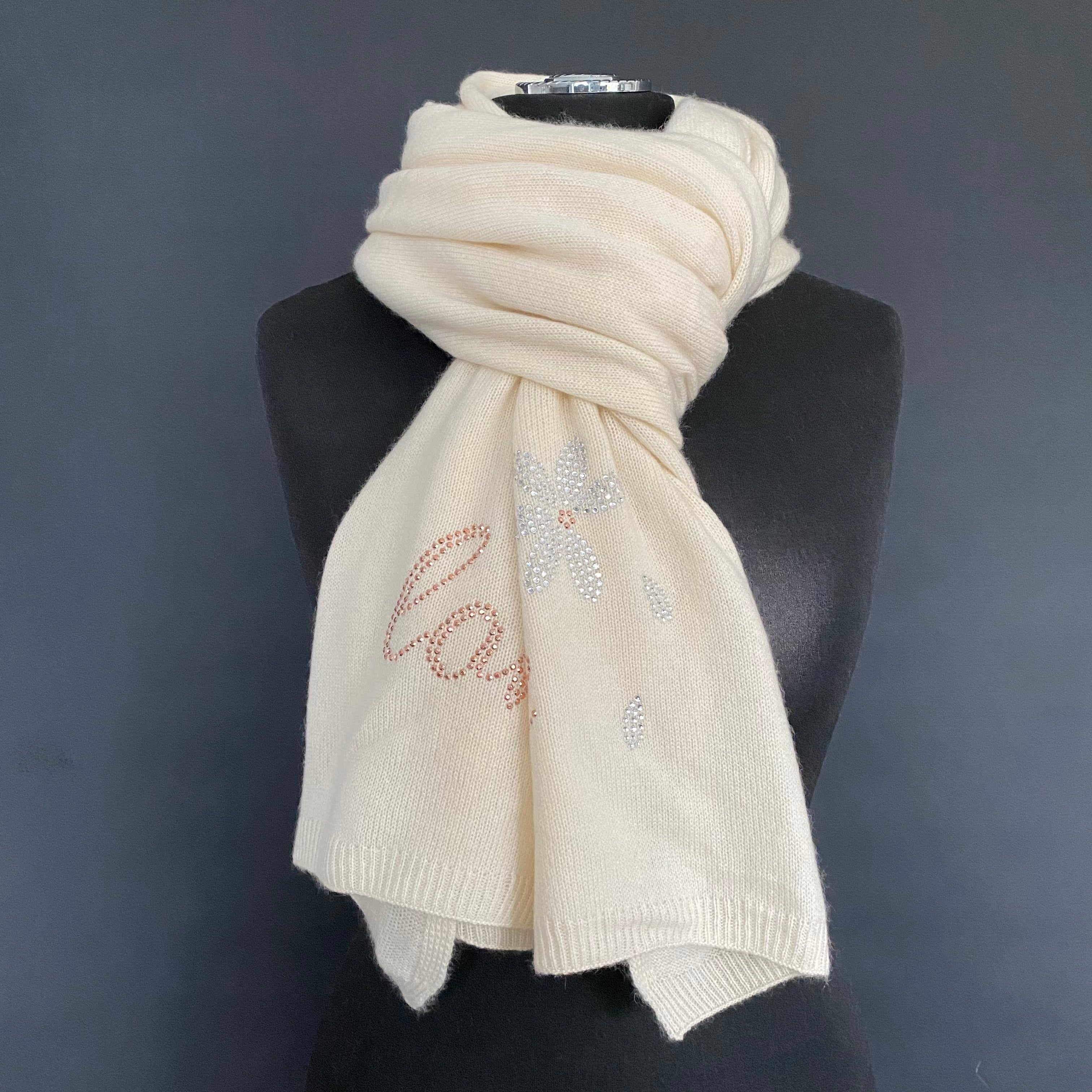 XL Chunky, knitted cashmere travel wrap LOVE ME, LOVE ME NOT...(off white)