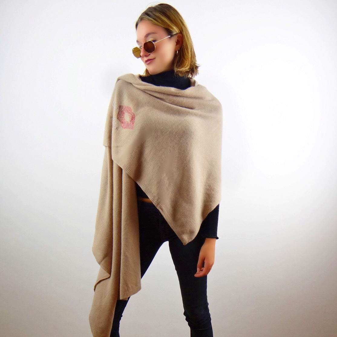 XL Chunky, knitted cashmere travel wrap KISS (taupe)