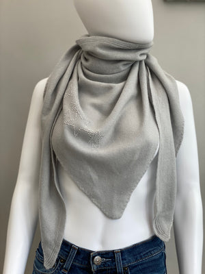 Triangle scarf, knitted cashmere STARS (light grey/silver)